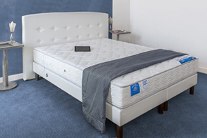 ensemble literie crit res pour bien associer le matelas et le sommier fixe guide d 39 achat. Black Bedroom Furniture Sets. Home Design Ideas